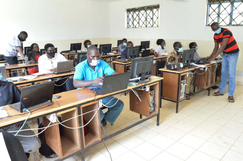 An E-Learning training class in session